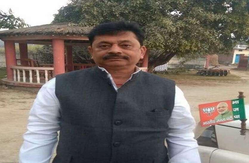 कुशीनगर लोकसभा सीट पर भाजपा के विजय दूबे 2 लाख 35 हजार वोटों से आगे