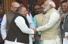 कहीं मुलायम सिंह का आशीर्वाद तो नहीं बना PM मोदी की जीत की वजह?