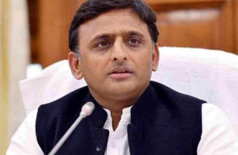 सपा विधायक ने की अखिलेश के इस्तीफे मांग, बोले- मुलायम बनें राष्ट्रीय अध्यक्ष