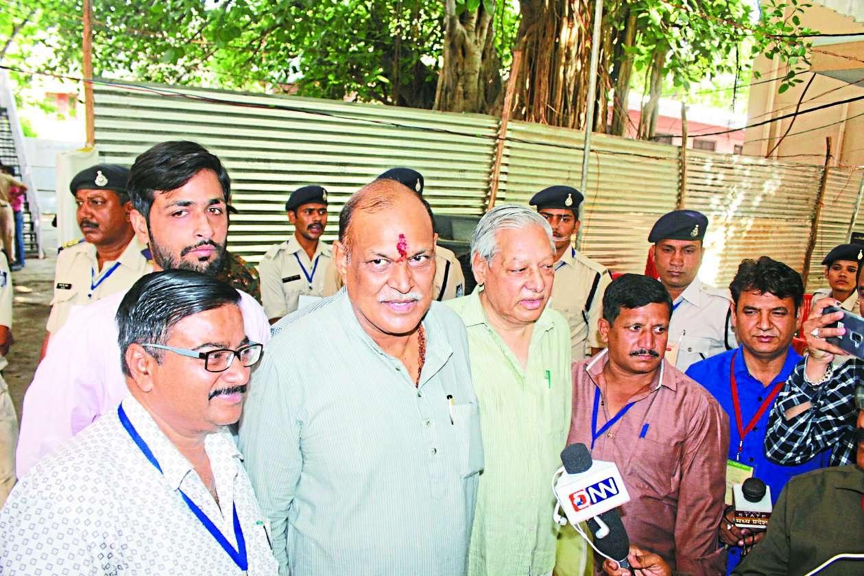 gwalior loksabha seat winner vivek narayan shejwalkar