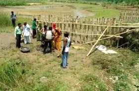 अधिकारियों ने नहीं सुनी शिकायत तो ग्रामीणों ने किया ऐसा काम जिसकी हर कोई कर रहा तारीफ