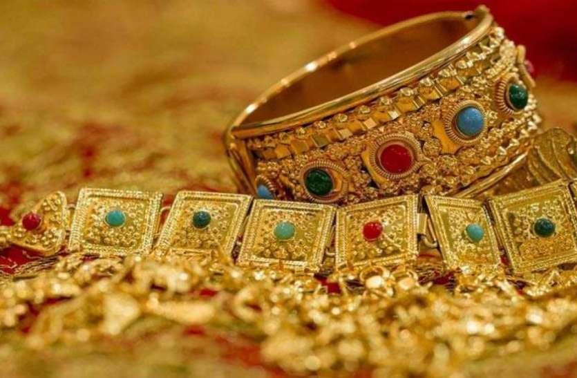 जेवराती मांग आने से सोना 200 रुपए महंगा, चांदी की कीमत 150 रुपए उछली