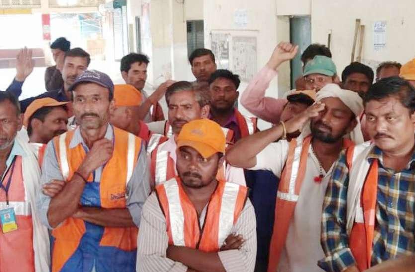 चंद श्रमिकों के भरोसे स्वच्छता सर्वेक्षण में अव्वल बनने की तैयारी