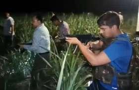 व्यापारी से रंगदारी मांगने वाले बदमाशों को पुलिस फोर्स ने घेरा, दोनों तरफ से हुई ताबड़तोड़ फायरिंग