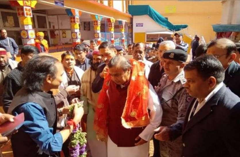 दर्शन के लिए बद्रीनाथ पहुंचे मुकेश अंबानी, चंदन और केसर के लिए दान किए 2 करोड़ रुपए