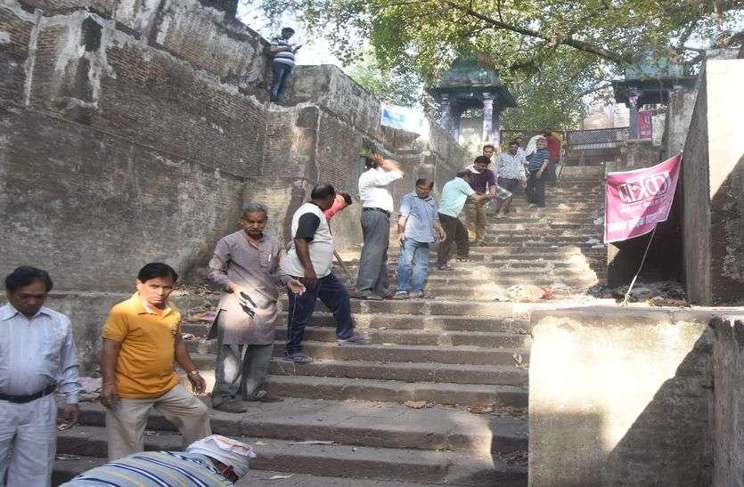 नौतपा की तपन को मात देकर लौटाया शिव बावड़ी का स्वरूप