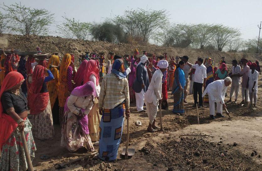 गवाई की नाडी में छलकी श्रम की बूंदे, राजस्थान पत्रिका अमृतम जलम महाभियान