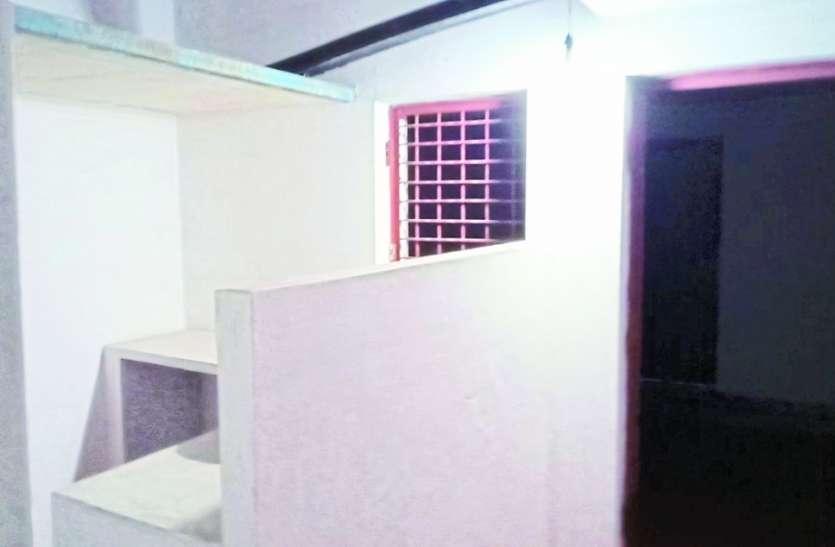 पीएम आवास के बदले गरीबों से वसूले जा रहे 5 से 10 हजार रुपए, न देने पर निकाल रहे खामियां