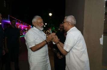 प्रधानमंत्री मोदी का राजभवन में रात्रि विश्राम