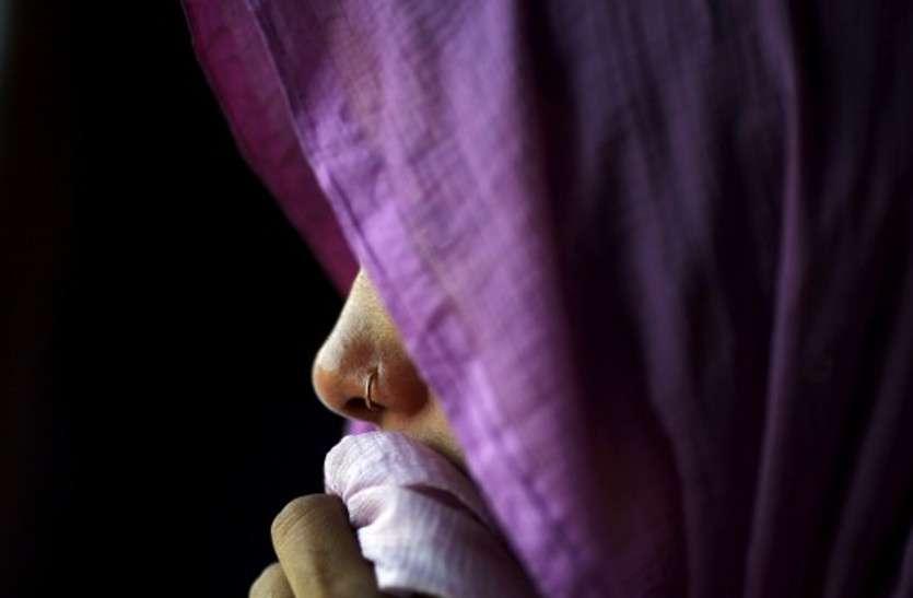 अधेड़ महिला का गला दबाकर सामूहिक बलात्कार, अकेली पाकर दरिंदों की हदें पार