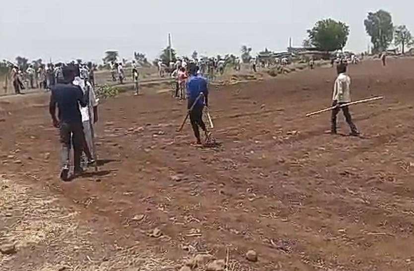 Video : बैरंग लौटी थी बारात, गुस्साए ग्रामीणों ने की गांव पर चढ़ोतरे की कोशिश