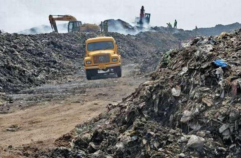सरोना डंपिंग यार्ड में कचरे का रिसाइक्लिंग