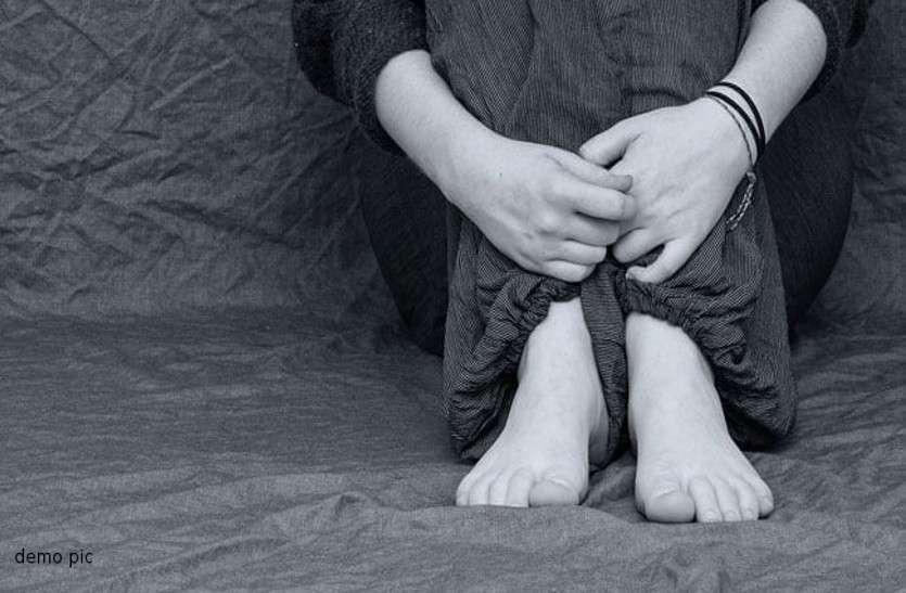 महिला से गैंगरेप मामले में दरिंदों के खिलाफ सामूहिक दुष्कर्म-मारपीट का केस दर्ज, तलाश में जुटी पुलिस