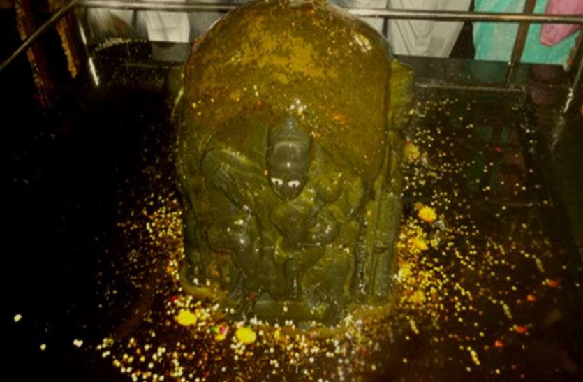 कोयल बनकर शनिदेव को दर्शन दिए थे भगवान कृष्ण, यहां वरदायक बन जाते हैं दंडनायक शनि