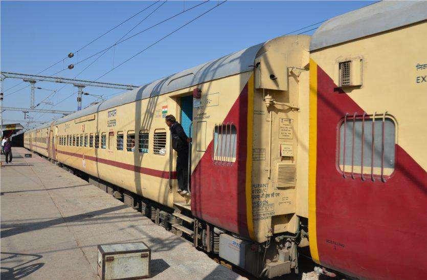 भावनगर-बांद्रा ट्रेन को मिला नया लुक