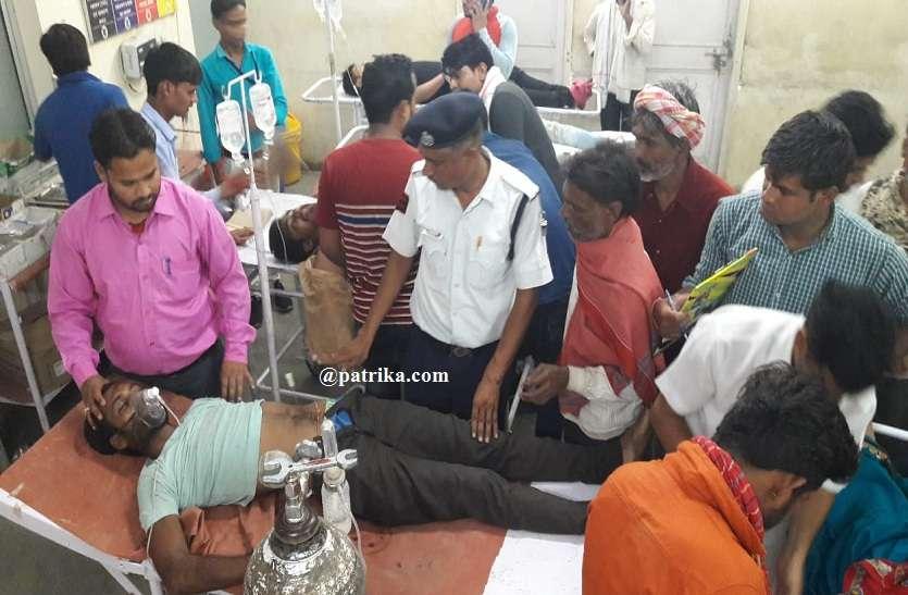 अलग-अलग हादसों में अज्ञात वाहन की टक्कर से बाइक सवार पांच जने घायल, गंभीर हालत में दो जनों का किया जयपुर रैफर