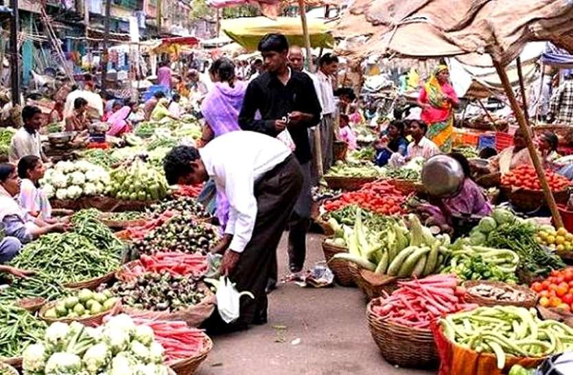 सब्जी बाजार में मची खलबली, अधिकारी ने एक-एक व्यापारी से किया सवाल, हुआ बड़ा खुलासा