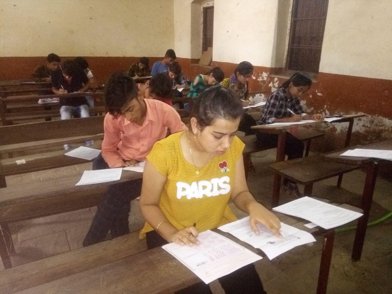 डीडीयू की प्रवेश परीक्षाएं संपन्न, अंतिम दिन 13 हजार से अधिक ने दी परीक्षा