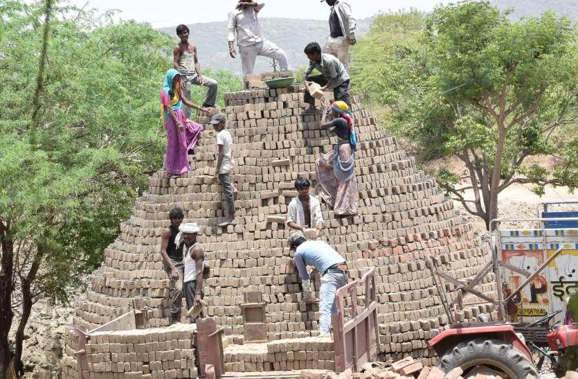 video: इस गांव की गुहार नहीं सुनती सरकार