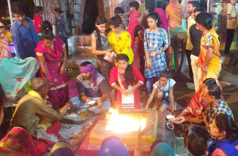 एक साथ मनीं सोमवती, वट सावित्री अमावस्या और भगवान शनि जयंती