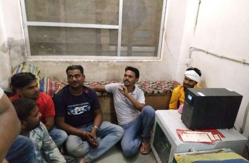 सरपंच सचिव ने ढाबा संचालक को पीटा, चार गिरफ्तार