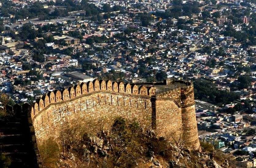 अतिक्रमण से बिगड़ रहा अलवर का स्वरूप, सुंदर बनाने के अपनाना होगा जयपुर और जोधपुर का तरीका