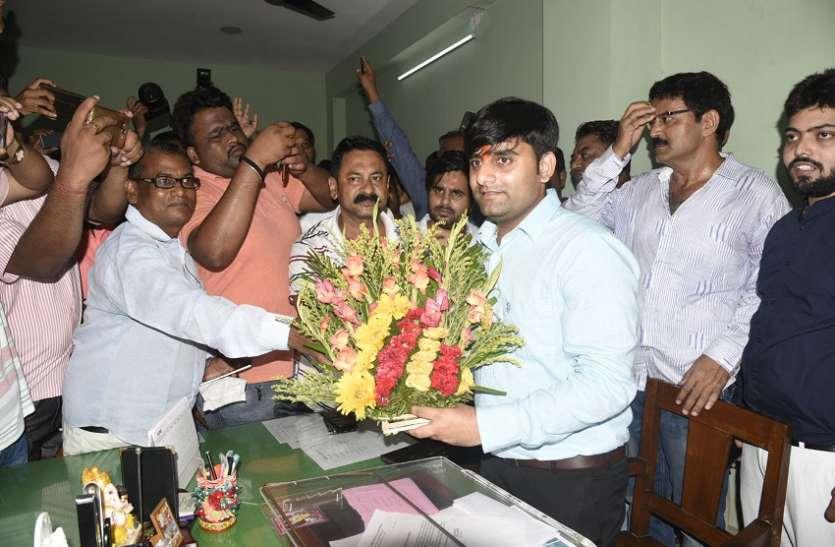 West Bengal: भाटपाड़ा में हारी ममता, भाजपा ने किया क्लिन स्वीप