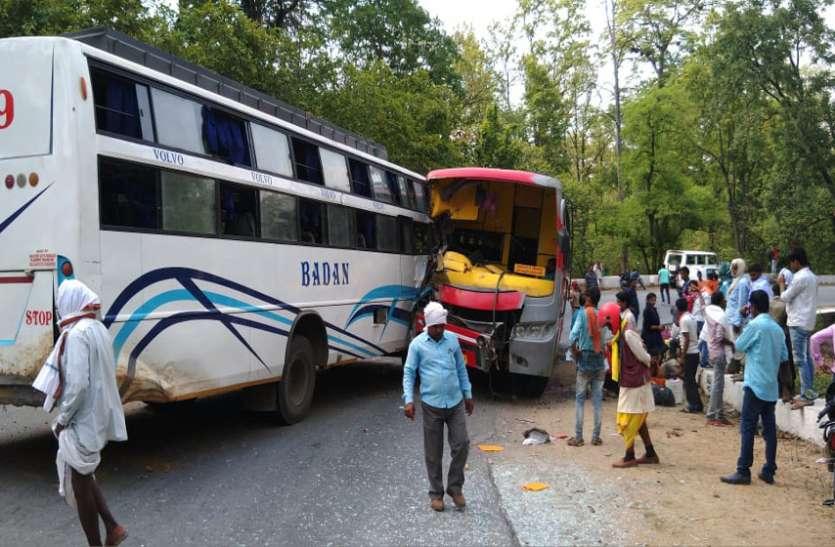 Breaking News : 2 बसों में आमने-सामने जबरदस्त भिड़ंत, महिला यात्री की दर्दनाक मौत, दर्जनभर घायल