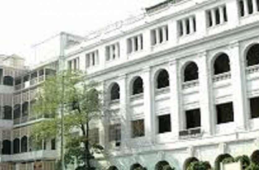 जय श्रीराम का नारा लगाने वाले कलकत्ता विश्वविद्यालय कर्मचारी का तबादला