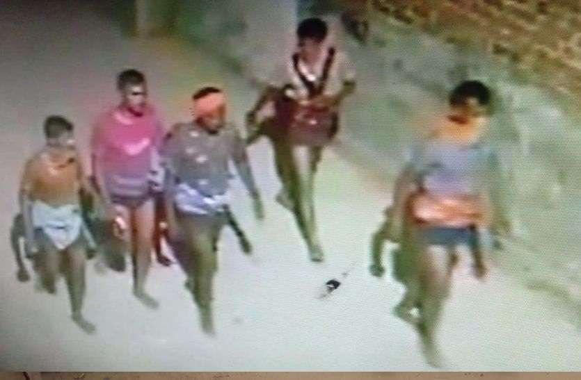 चिड़ावा में देर रात कच्छा-बनियान गिरोह दिखा, चोरियों का शक