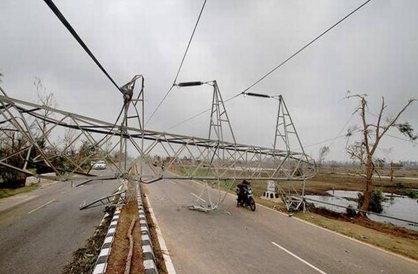 फानी इफेक्ट...एक महीने बाद भी समस्या जस की तस, बिजली और घर के बिना परेशान लाखों परिवार