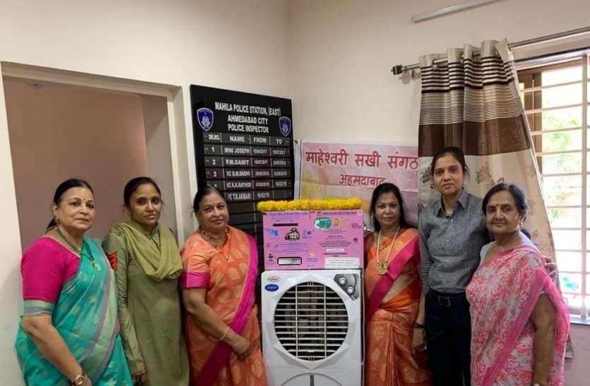 अहमदाबाद में तीन स्थानों पर लगाई सेनेटरी नैप्कीन वेंडिंग मशीनें