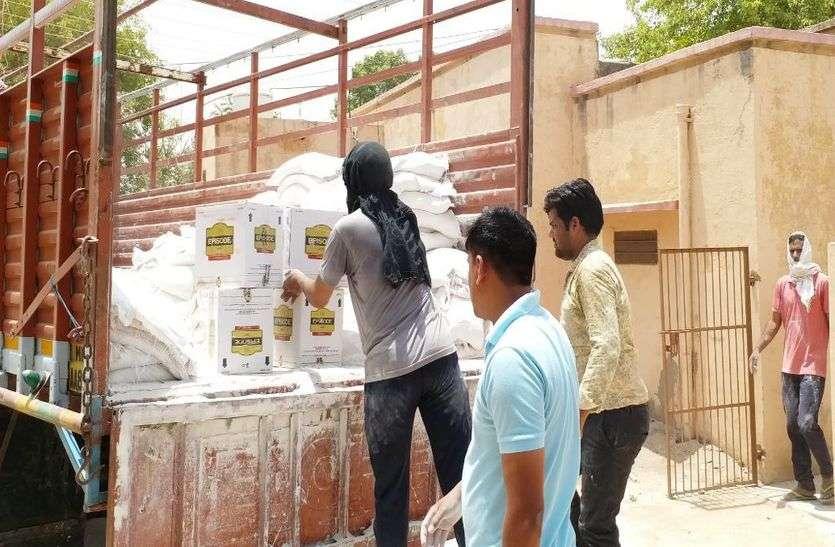 ट्रक में ले जाई जा रही 10 लाख रुपए की अवैध शराब जब्त
