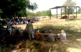 एक साथ उठी अर्थियां, गमगीन माहौल में हुआ अंतिम संस्कार