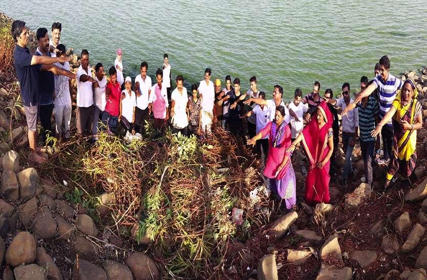 तुलसी सरोवर पर श्रमदान कर मनाया पर्यावरण दिवस
