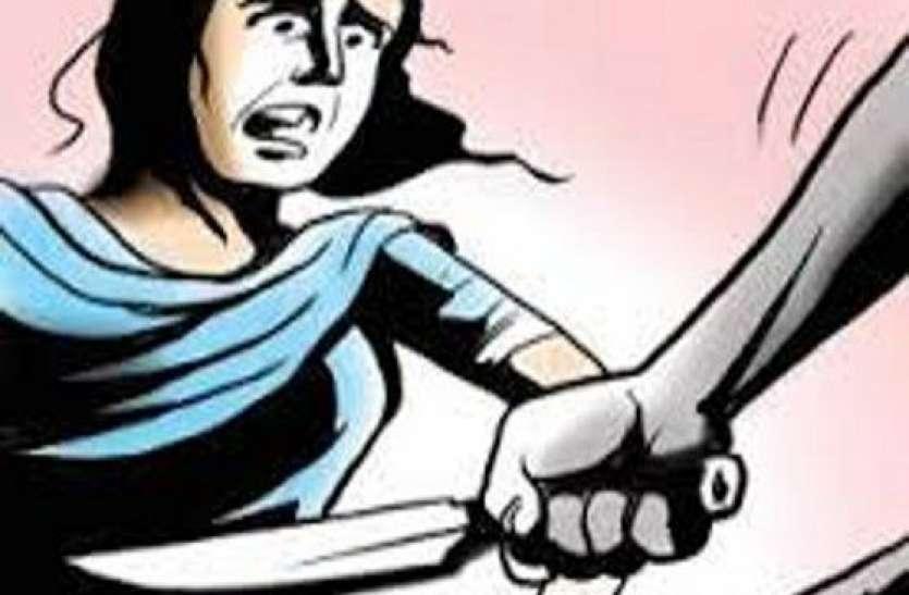 यूपी में सरेआम महिला पर हमला,काट दी नाक