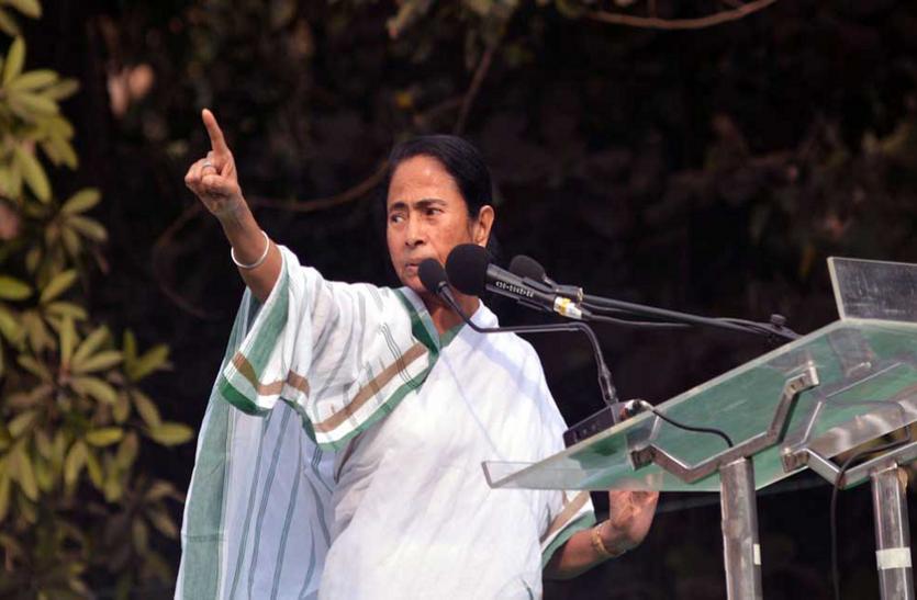 भाजपा को ममता का जवाब- 'त्याग का नाम हिंदू, ईमान का नाम मुसलमान'