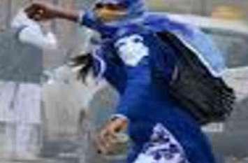 अलवर में महिला ने पुलिस के ऊपर किया पथराव, हैड कांस्टेबल हुआ घायल