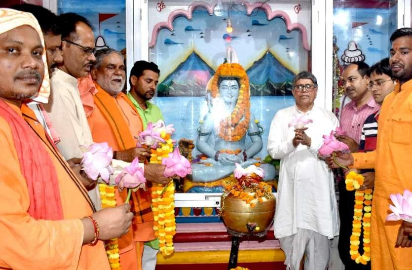 सीएम के जन्मदिन पर गोरखनाथ मंदिर में इस तरह मना जन्मोत्सव
