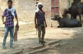 पुलिस पर भारी हिस्ट्रीशीटर, फायरिंग के बाद तमंचा लेकर गांव में घूमता रहा, वीडियो वायरल