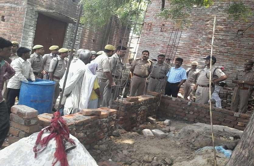 Breaking: यूपी के इस शहर में देवस्थल निर्माण को लेकर दो समुदाय में पथराव, पुलिस मौके पर