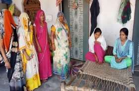 यूपी के इस जिले में 'छोटी माता' का प्रकोप, घर-घर में बिछी चारपाई, स्वास्थ्य विभाग बेखबर, देखें वीडियो
