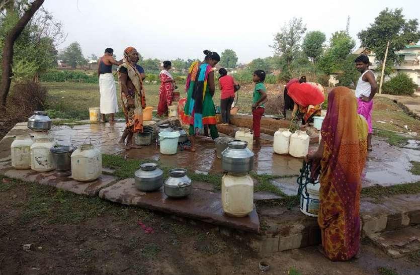 जलापूर्ति व्यवस्था को बेहतर बनाए सरकार -डीएमके की बैठक में प्रस्ताव पारित