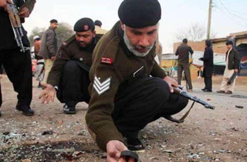 पाकिस्तान में IED ब्लास्ट: 3 सैन्य अधिकारियों समेत चार की मौत, राष्ट्रपति अल्वी और PM इमरान ने जताया शोक