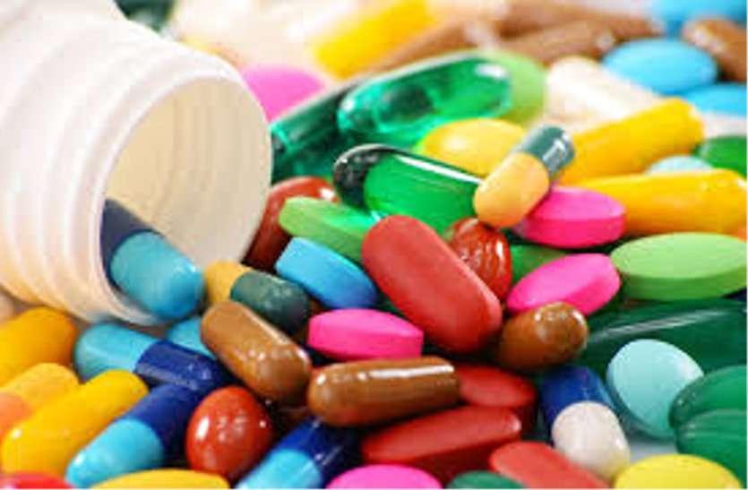 दो दवा दुकानों के लायसेंस 15 दिन के लिए निलंबित