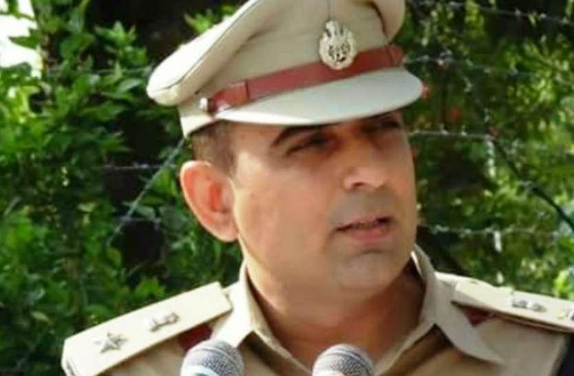 अध्यापक से आईपीएस बने आगरा के नये एसएसपी की कहानी जानकर रह जाएंगे हैरान, अपराधियों के लिए किसी बड़े संकट से कम नहीं...