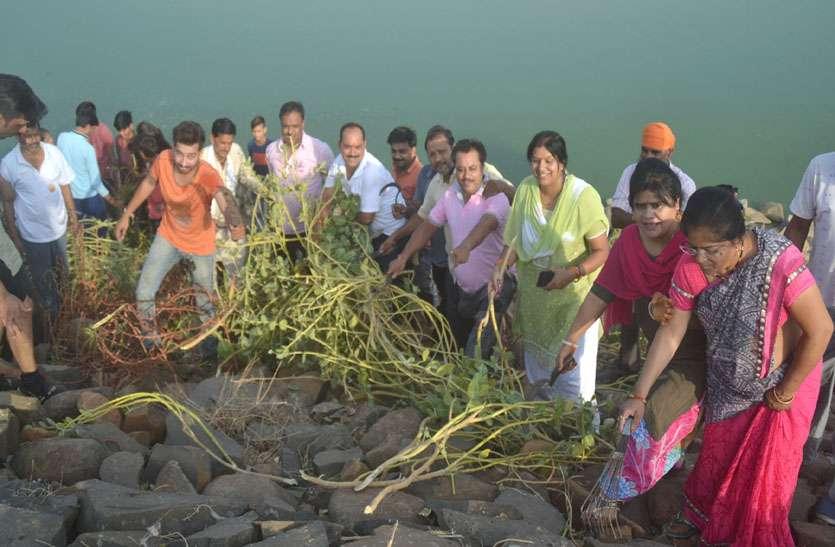 तुलसी सरोवर को प्रदूषण मुक्त करने जुटे भागीरथी