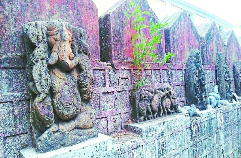 जानिए 900 साल पुरानी बारसूर पत्थर से बनी प्राचीन प्रतिमाएं आखिर क्यों हो रही खंडित