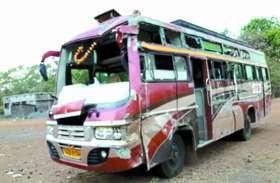 कॉलोनी के बच्चों को बस में घुमाने निकला था कंडक्टर, रास्ते में हो गया ये दर्दनाक हादसा फिर...