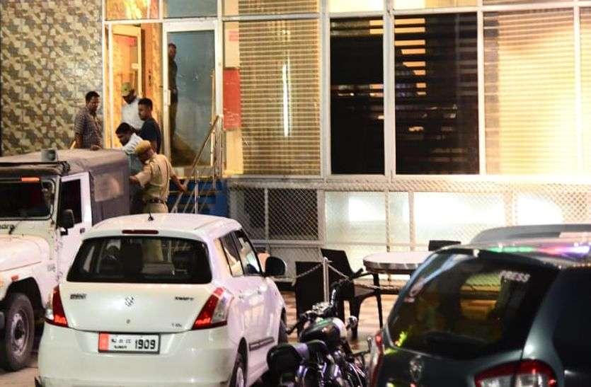देह व्यापार की सूचना पर अजमेर की नामी होटल पर दबिश, मचा हडक़म्प